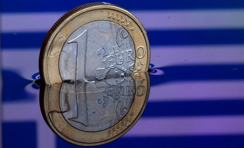 Ленивые греки топят ленивый евро