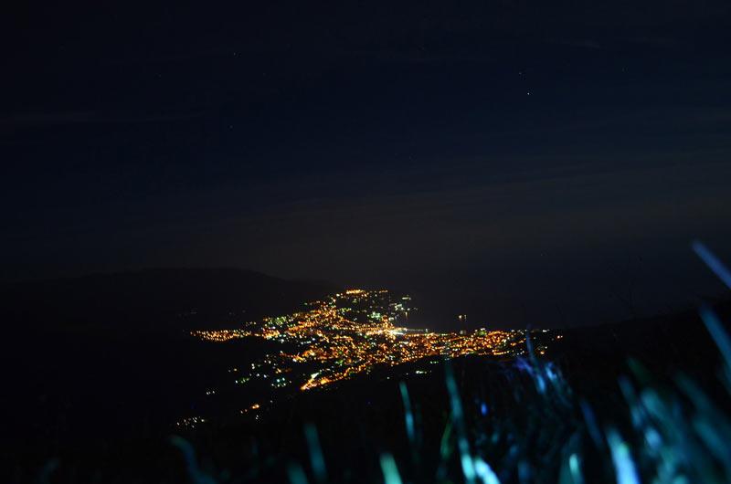 Ночная Ялта с высоты птичьего полета и нашего лагеря