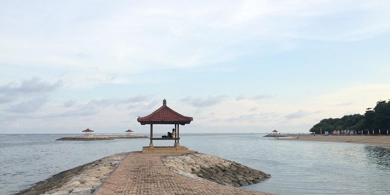 Океан спокоен
