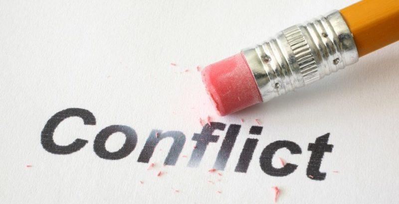 Конфликт интересов между блогером