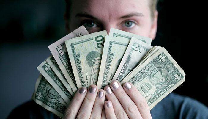 Когда покупать доллары